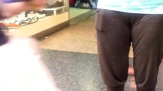 Milf Cameltoe in the streets