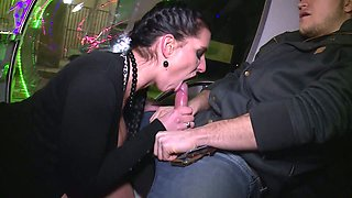Horny big breasted reporter Texas Patti gives such an incredible blowjob