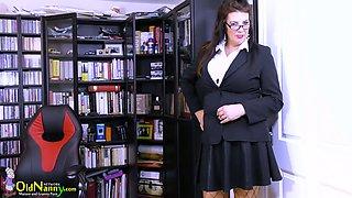Mature librarian in fishnet stockings and short skirt Lulu masturbates her cunt