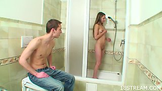 Teen Chick Gets a Soothing Shower
