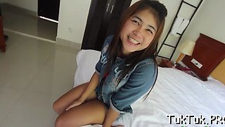 talented thai slut blows a dick video