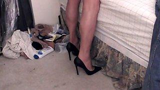 Black heels and CDR Malaga pantyhose cum!