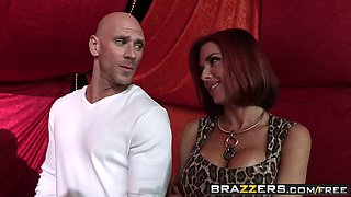 Brazzers - Shes Gonna Squirt - Nora Noir Veronica Avluv and Johnny Sins -  Circus Squirtus