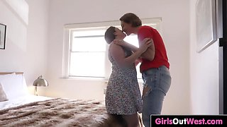 Tattooed hairy chick Zazi and curvy lesbian Amber Leigh lick each other in the bedroom