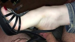 goddess tease, crush & shoejob in heels