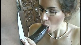 Nerdy messy haired brunette white housewife sucks delicious BBC for cum