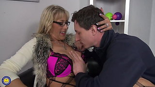 Naughty mature mommy seduce lucky son
