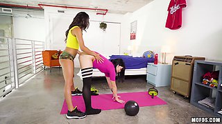 Nice ass lesbian Rina working out then loving her pussy licked