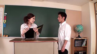 JULIA Body Man To Seduce A Female Teacher Would BOIN Slender