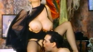 Insatiable mature blondie with big breasts loves passionate sex