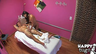 Blowjob and sensual oily handjob from hot Asian masseuse