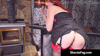 smoking & squirting fans enjoy as housewife shandafay fucks!