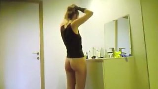Tight body chick spied in bathroom