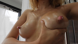 Aali Kali Rousseau milking her beautiful tits