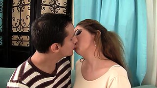 Curvy Wife Loves His Pulsating Schlong