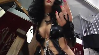 Mistress raven is sexy as fuck!