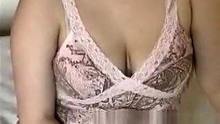Pregnant 19yr old Teen Sydney Flashing Big Boobs