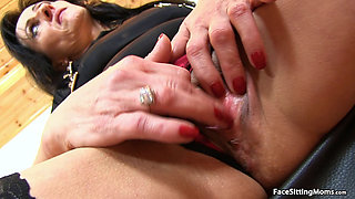 Mature Face Sitting on her Slave - Marta