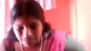 Smart Indian Kerala Aunty Show her HUGE Boobs