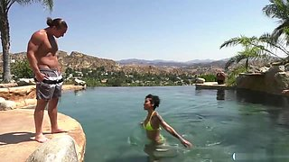 Honey Gold Getting Fucked By Her Horny Bf In The Pool