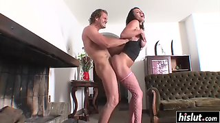 Monster cock makes francesca reach an orgasm
