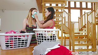 Minge eating lesbians Eva Lovia and Stella Cox