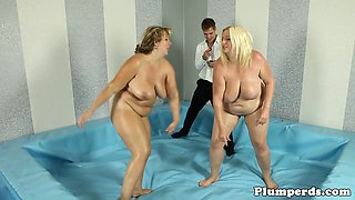 Busty SSBBW cockriding her referee