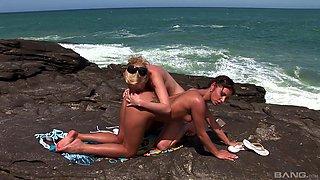 Beach sex session for lovely babes Tarra White and Aneta Keys
