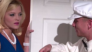 Horny rich housewife Alexis Texas seduces a guy and sucks his dick deepthroat