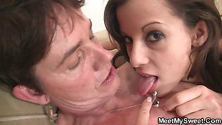 GF have oral fun with her BF\'s family