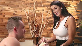 Reagan Foxx is a horny cougar who knows how to seduce a lover