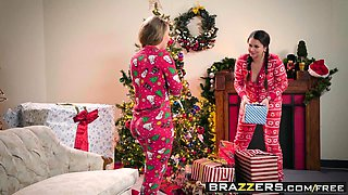 Brazzers - Big Wet Butts -  Anal Xmas scene s