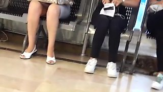 hot milf open legs upskirt in mall