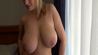 Inge Igmar, Sophie Mai-Sophie Mei show her perfect curvy body
