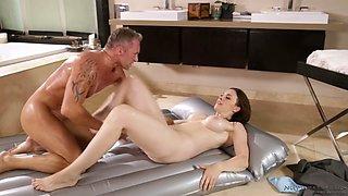 Fucking hot curvy masseuse Chanel Preston gives an unforgettable nuru massage