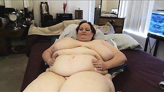 Webcam fat bbw woman plays her amazing tiny pussy