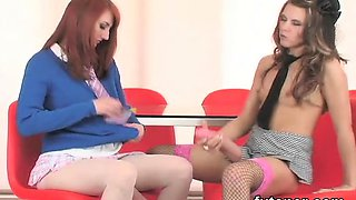 Horny kittens plow the biggest strap-on dildos and spray jis