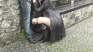 Blonde gets her snatch devoured and sucks a cock in return