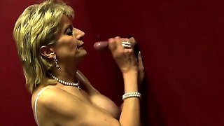 Unfaithful uk mature lady sonia displays her massive 16GYM