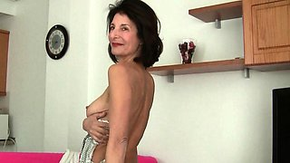 My favorite videos of French gilf Emanuelle.